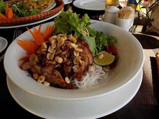 Essence Hoi An Hotel & SPA: Pork and noodle salad