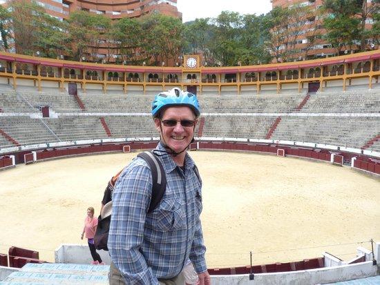 Bogota Bike Tours : Visiting a Bogota Bull Ring