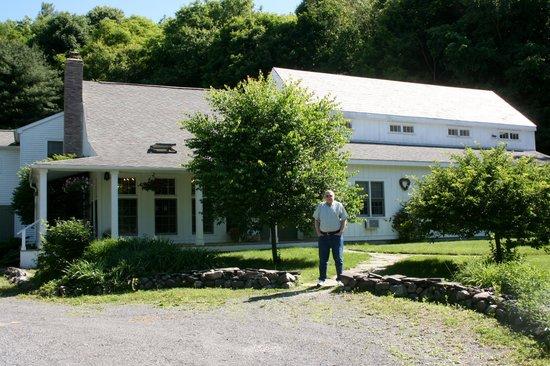 Inn at Silver Maple Farm: Grounds