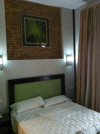 Hotel Dona Lola: DETALLE DE LA CAMA