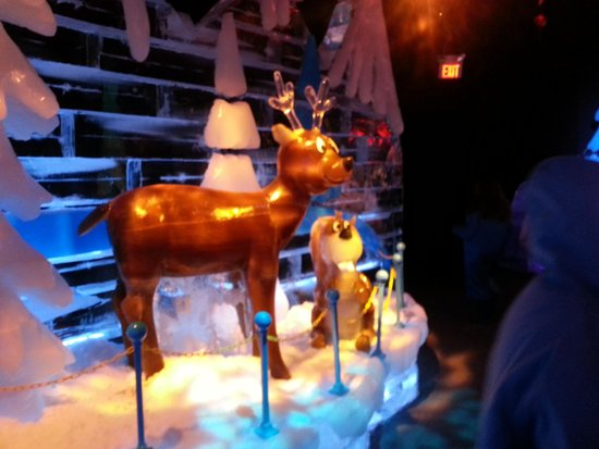 Gaylord Palms Resort & Convention Center: More Ice Sculptures