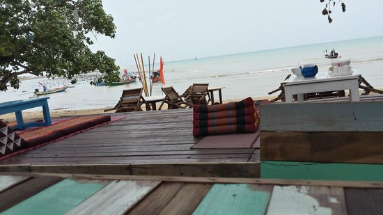 THINK & Retro Cafe Lipa Noi: View of the beach from dining/bar area