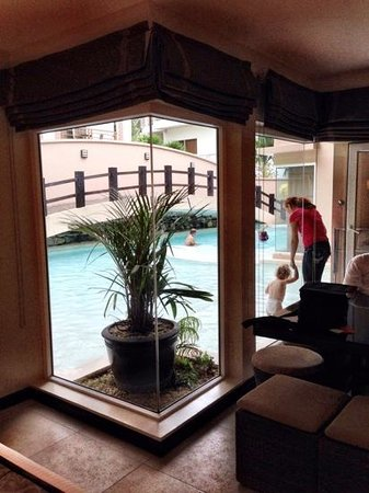 Two Seasons Boracay Resort : Grand Family Suite w/ direct access into shallow area of pool- perfect for small children!