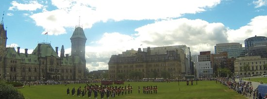 Changing of the Guard : View from Parliament Steps