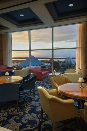Moody Gardens Hotel Spa & Convention Center : Viewfinder Lounge