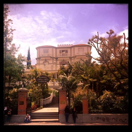 Pestana Miramar : Entrance to the hotel
