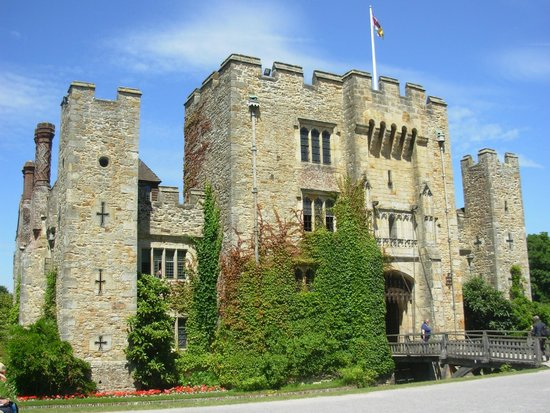Hever Castle & Gardens: Vista do castelo