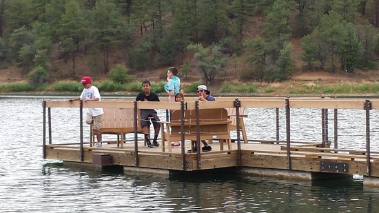 Goldwater Lake: Awesome pier to hang out on