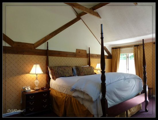 The Copper Beech Inn: Our room