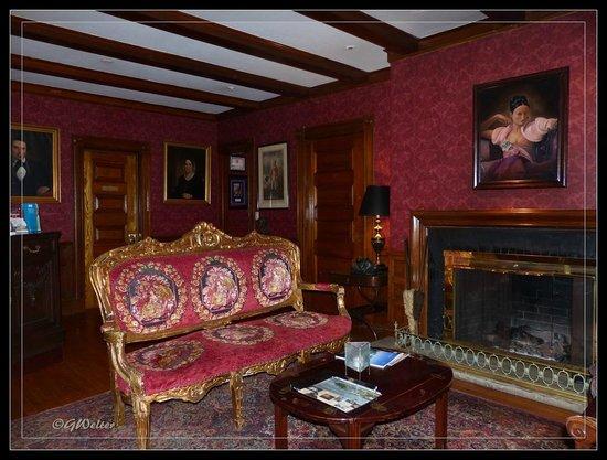 The Copper Beech Inn: Lobby in the Main House