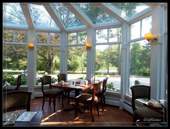 The Copper Beech Inn: Breakfast dining