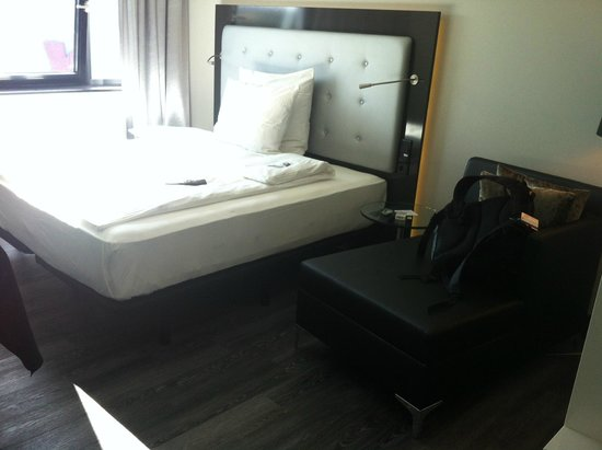 Innside by Meliá Wolfsburg: big and comfy bed