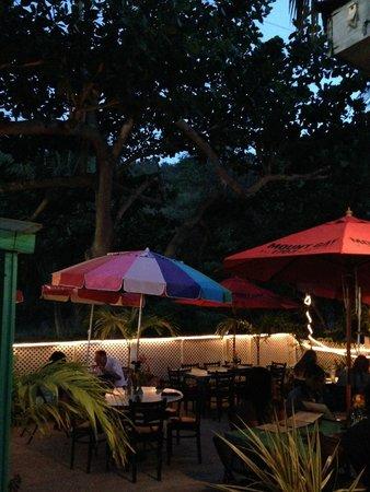 D Coalpot BVI Restaurant Bar & Grill: Garden Patio