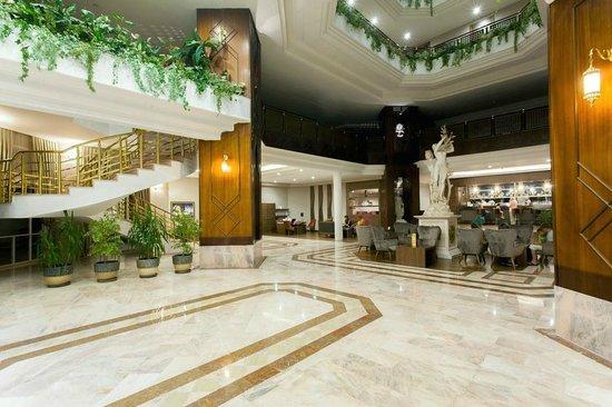 Letoonia Golf Resort : Main Building Lobby