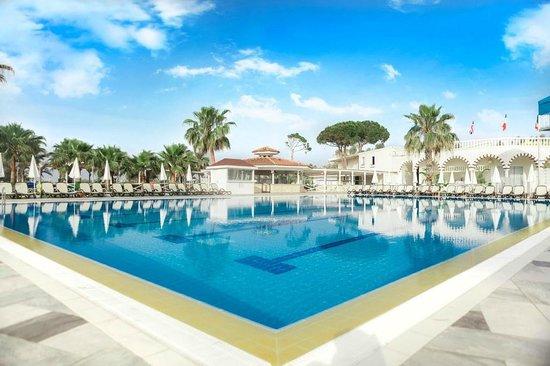 Letoonia Golf Resort : Pool