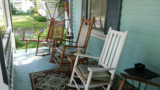 Spinning Wheel Bed and Breakfast: Rocking Porch