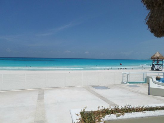 Krystal Cancun: vista de la playa