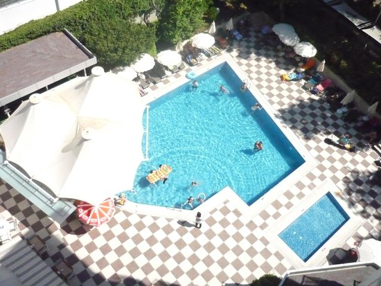 Grand Okan: POOL VIEW FROM ROOM