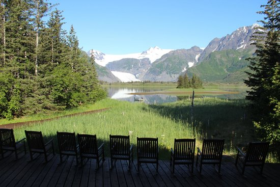 Kenai Fjords Glacier Lodge : View from Lodge/Dining room