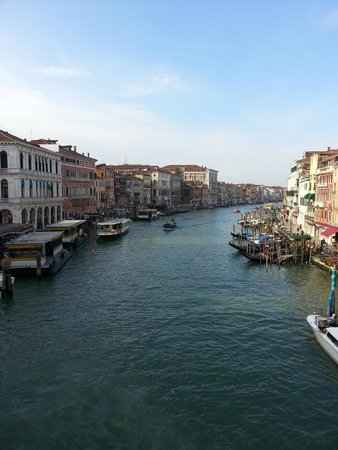 Ponte di Rialto: view from the realto