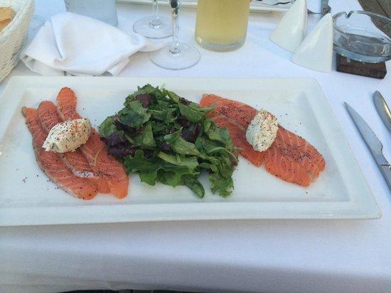 Restaurant le Marinella : entrée : saumon frais