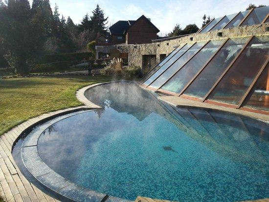Rochester Hotel Bariloche: Piscina