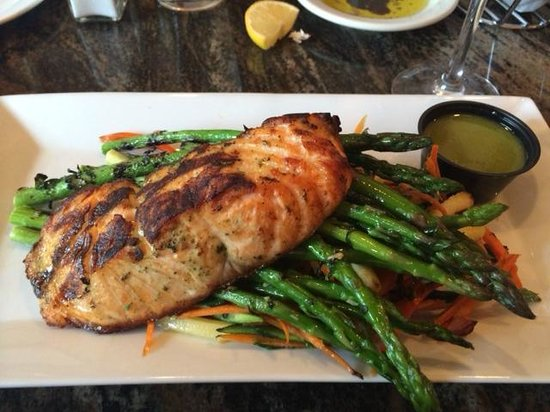 Cosimo's Brick Oven Of Middletown: Salmon over asparagus and other fresh vegetables