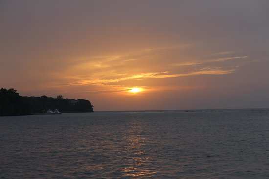 Beaches Ocho Rios Resort & Golf Club : Sunset at Neptune resteraunt