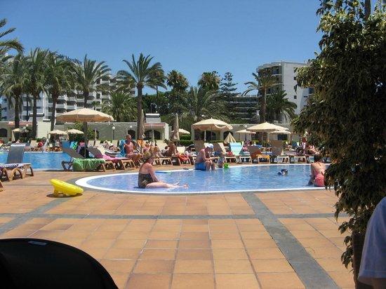 HD Parque Cristobal Gran Canaria: Large Main Pool