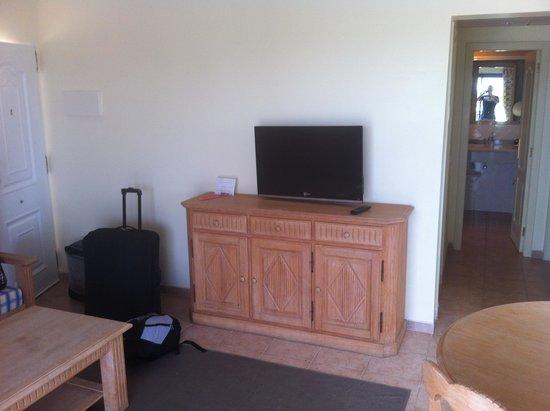 Vitalclass Lanzarote Sport & Wellness Resort: tv in living room