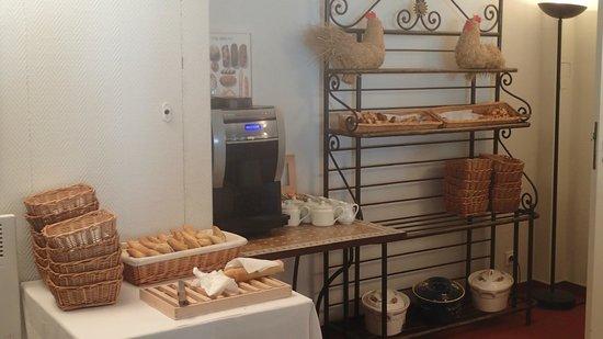 Hôtel Les Jardins d'Adalric : Petit déjeuner