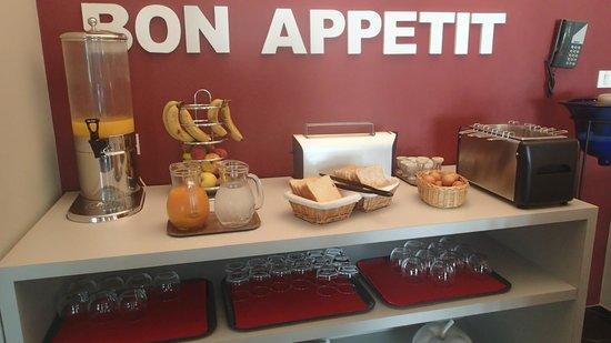 Hotel Les Jardins d'Adalric: Petit déjeuner