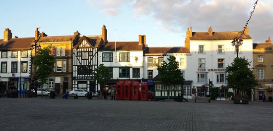 The Unicorn : Hotel and Market Place Frontage.