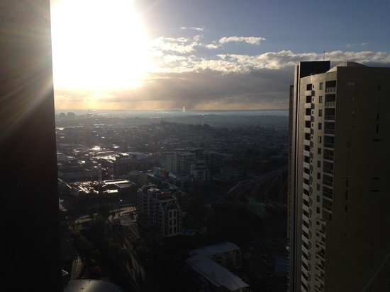 Meriton Serviced Apartments Brisbane on Adelaide Street: View from the 28th