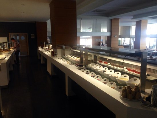 Orka Sunlife Hotel: Just one side of the buffet selection