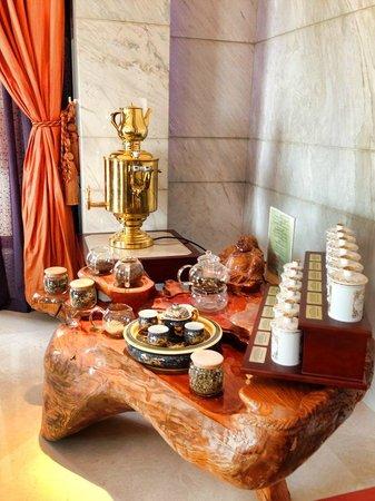 Shangri-La Al Husn Resort & Spa: one of hotel Lounge