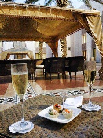 Shangri-La Al Husn Resort & Spa: Hotel Area Everyday Social Drink
