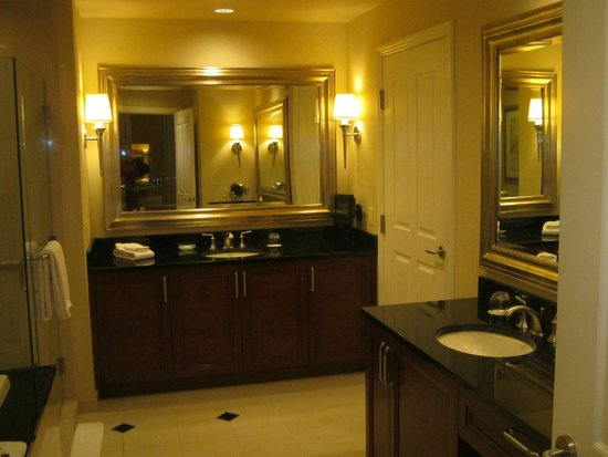 Signature at MGM Grand: Mini-Suite