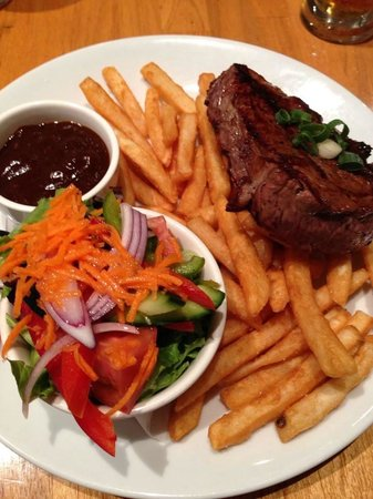 Cooroy Hotel: Tuesday special steak