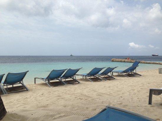 Renaissance Curacao Resort & Casino : Renaissance Resort Beach