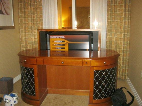 Signature at MGM Grand: Mini-Suite