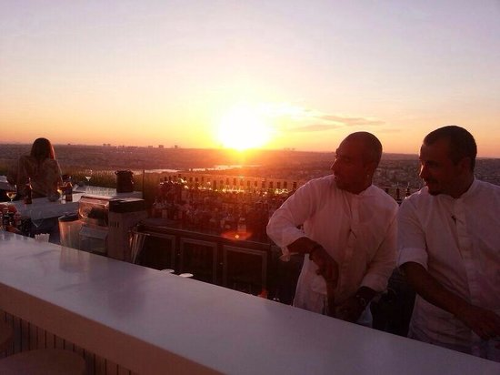 The Marmara Pera Hotel : Sunset at the rooftop Bar