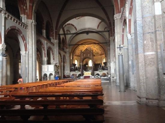 Basilica di Sant'Ambrogio: l'interno