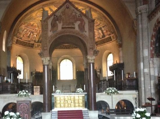 Basilica di Sant'Ambrogio: l'altare di sant'Ambrogio