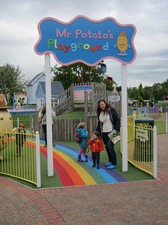 Paultons Park: A fun day at Peppa Pig World