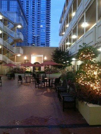 Inn at the Peachtrees : Courtyard