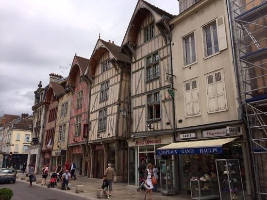 La Ferme des Tourterelles : Nearby Troyes