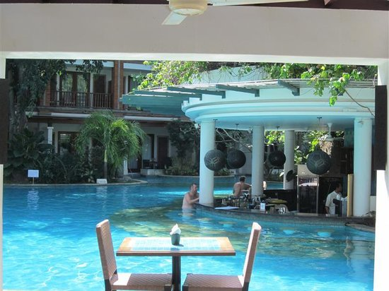 Padma Resort Legian: Lagoon Pool - Bar
