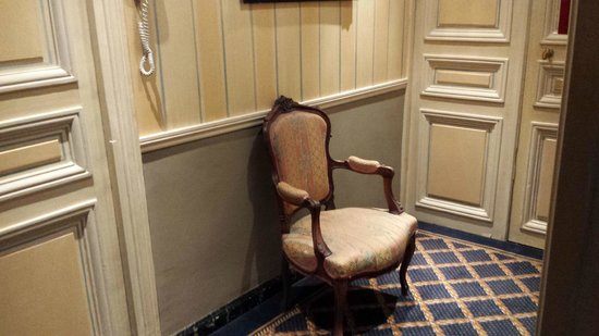 Hotel Saint-Jacques : Hotel hallway