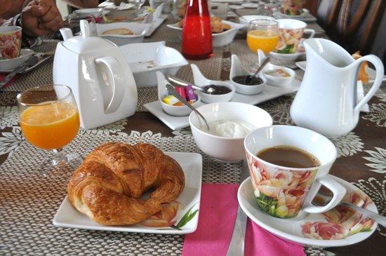 A Casella: Breakfast - croissants, juice, yoghurt, coffee etc. etc.